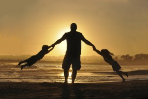 photo-father-and-two-kids